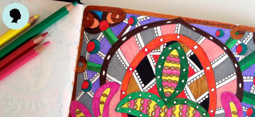 Doodling taccuino e matite colorate